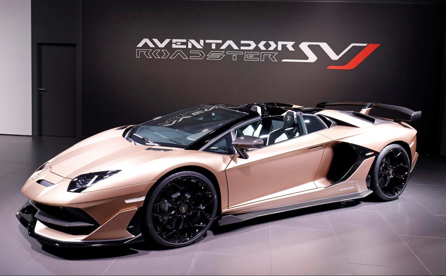Lamborghini Aventador Svj Roadster Pricing For South Africa Lamborghini Aventador Lamborghini Roadsters
