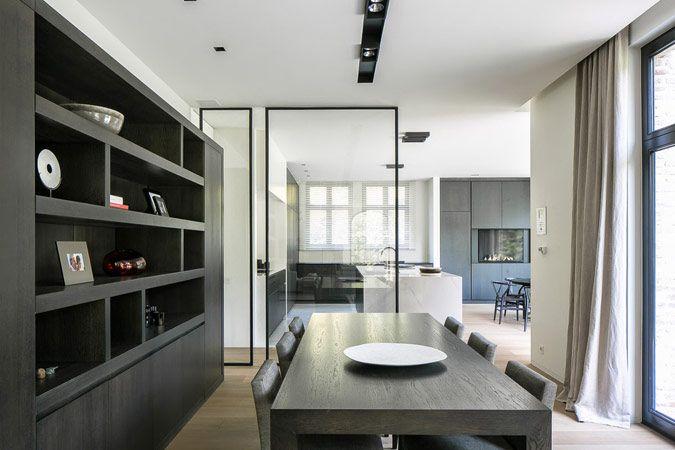 Minimalistisch interieur met pivoterende glazenu2026 modern interieur