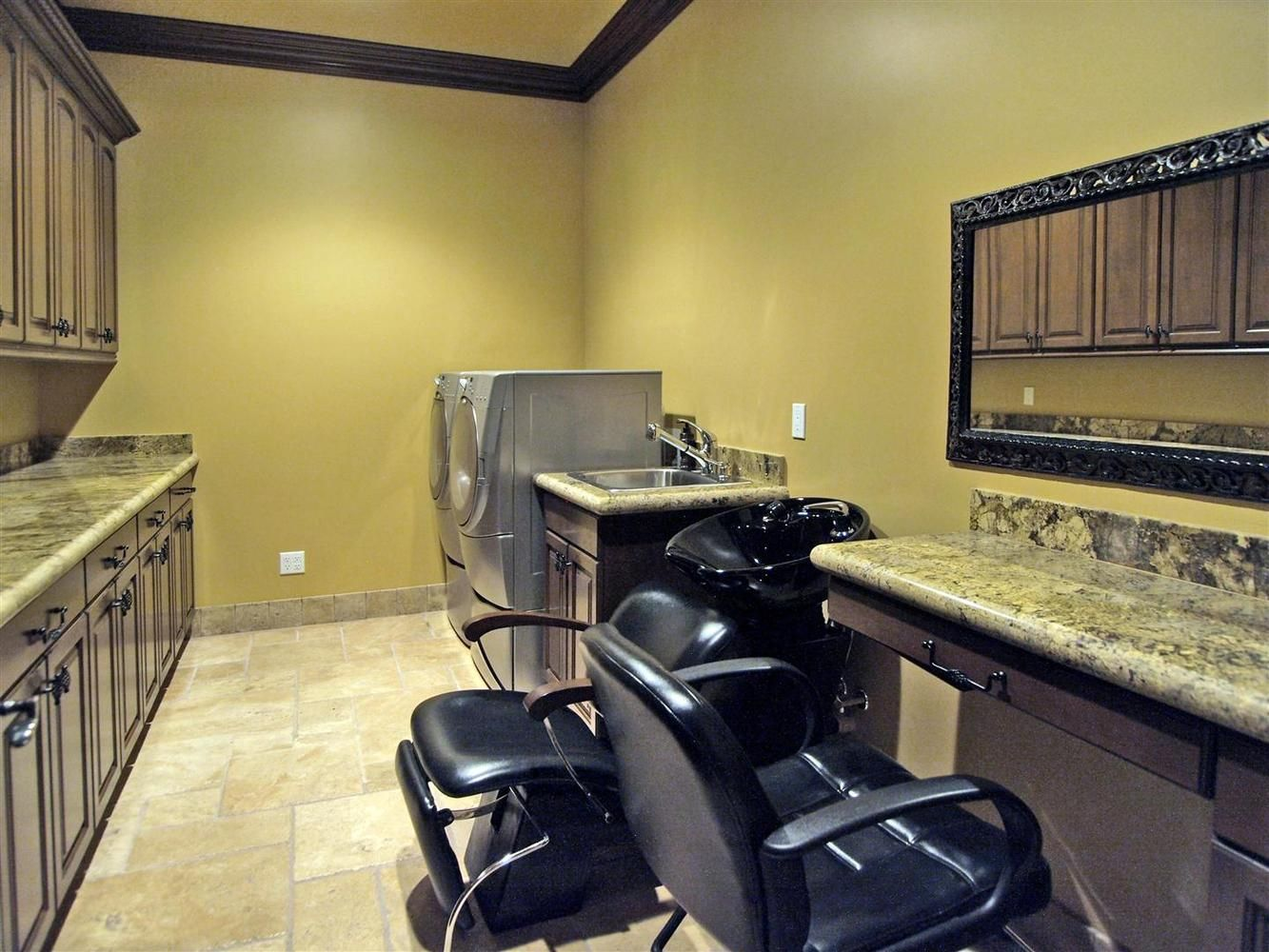 In Home Salon Laundry Room That Would Be Awesome I Love The