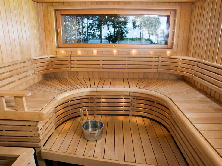 magnifique sauna 6 8 places avec vue sur la nature. Black Bedroom Furniture Sets. Home Design Ideas