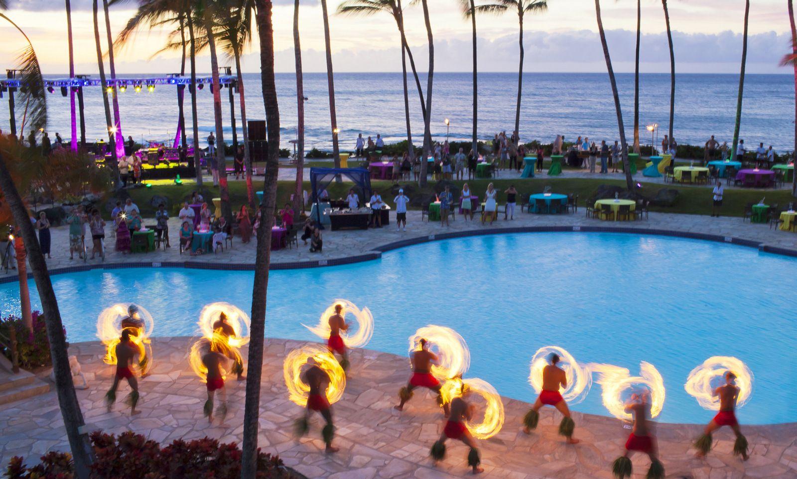 Pin By Shanoa Reed On Hawaii Trip In 2021 Hawaii Resorts Hilton Hawaiian Village Hawaii Vacation