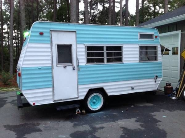 1971 Frolic Camper In Good Condition Has A Little Bit Of Roof Damage Not Bad With Images Vintage Camper Recreational Vehicles Roof Damage