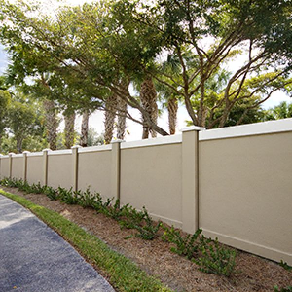 Pin By Talita Janse Van Rensburg On Wall Fence Wall Design Compound Wall Design Exterior Wall Design