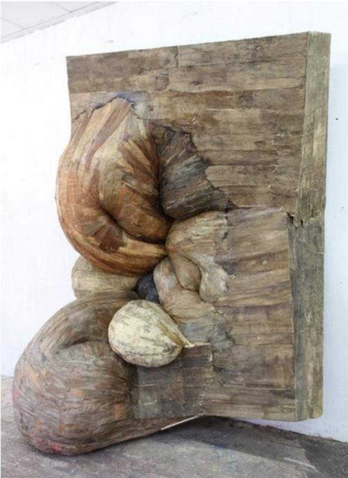 Henrique Oliveira, Caixinoma Contrativo, 2012, plywood, 3,2 x 2,5 x 1,3 m