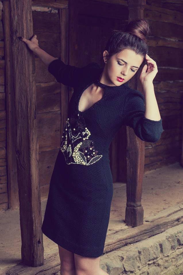Rochie haute couture cu influente etno. Exclusiv pe https://www.facebook.com/gaiaboutique.ro