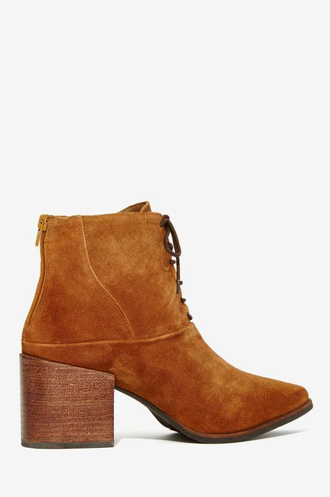 d515b8ab5d61 there s nothing not to like about the Matisse Vixen Lace-Up Leather Boot  Tan Leather