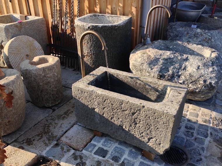Kleiner Steinbrunnen Für Den Garten Kleiner Garten Garden