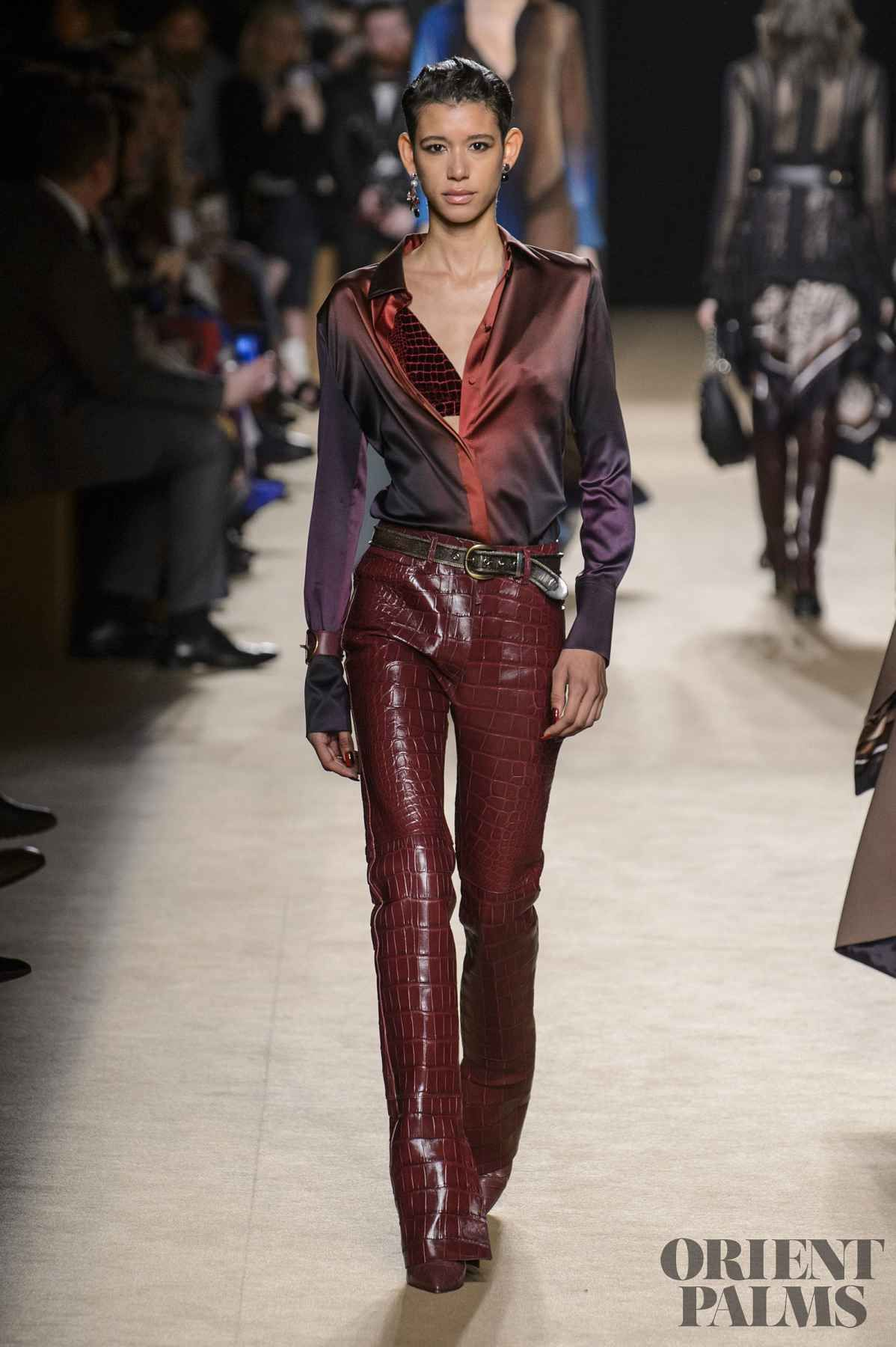 6d090b477b8fa Roberto Cavalli Fall-winter 2018-2019 - Ready-to-Wear in 2018 ...