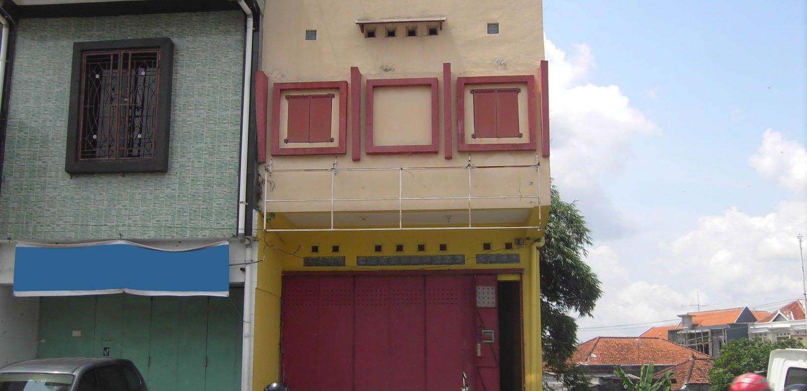 RUKO 2 Lantai 144 m2 tepi Jl. Veteran, Tipes, Solo