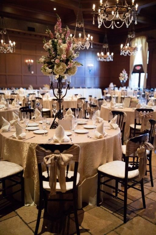 Elegant, vintage table setting with gold table linen ...