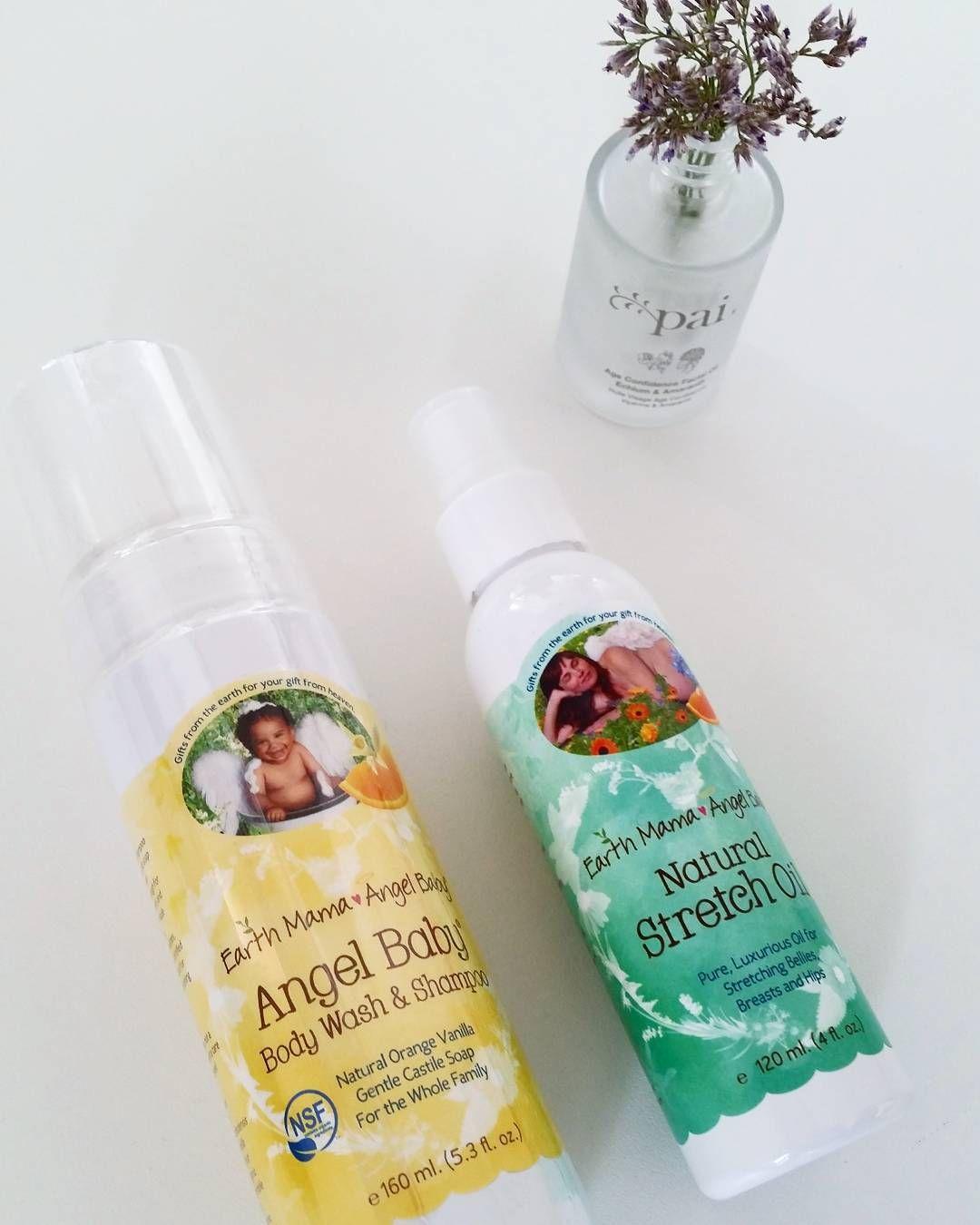 """""""Har du en favoritt fra Earth Mama Angel Baby-serien?Her er to som Line plukket ut. Natural Stretch Oil og Angel Baby Shampoo & Body Wash. Du får de til…"""""""