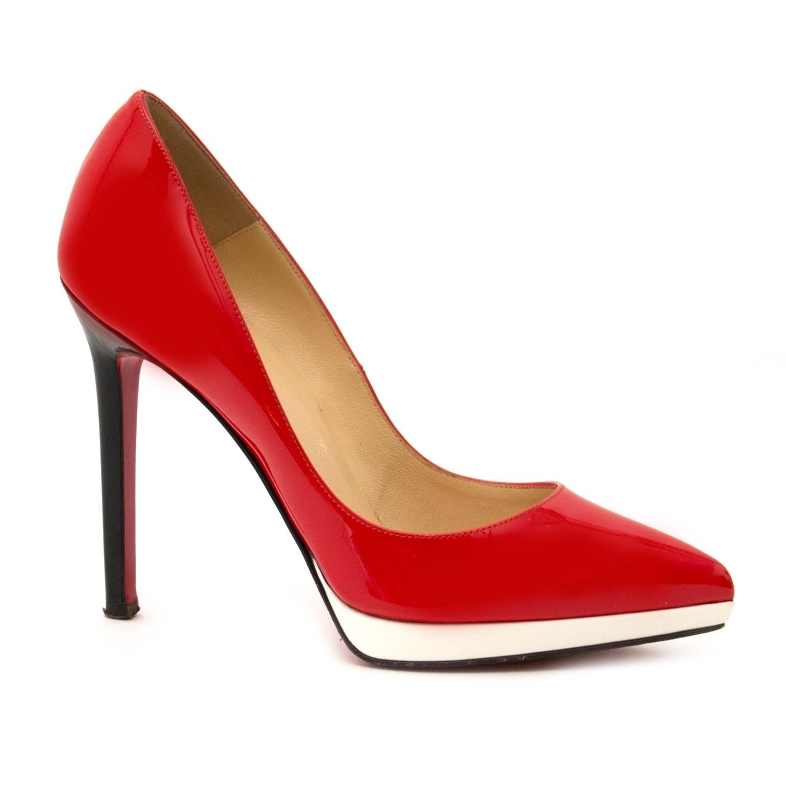 c6b215c2a0 Christian Louboutin Red Patent Pigalle Plato Pumps - Size 35,5 ...
