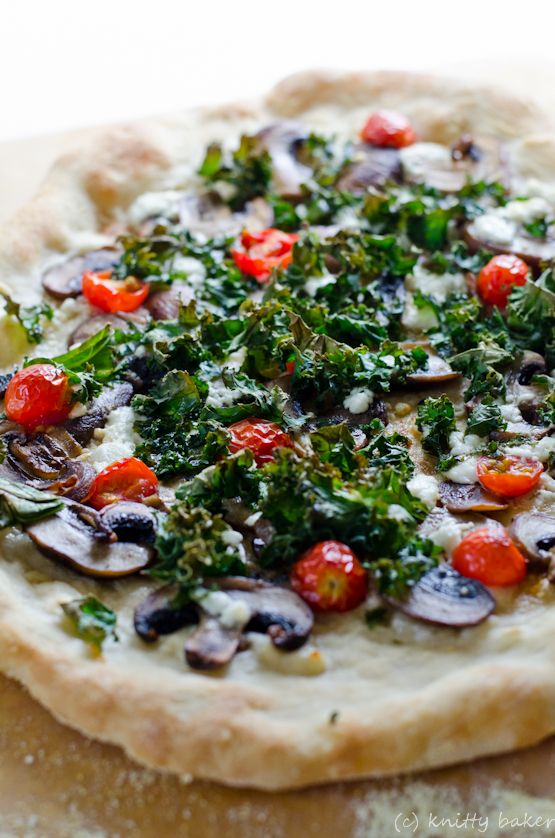Knitty baker: Homemade Pizza with Mushrooms, Goat Cheese, Tomatoes, and Kale