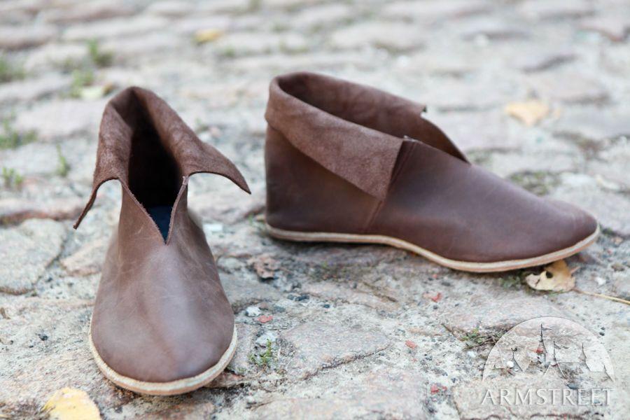 2bc81239fe25e Short Celtic Medieval Shoes | medieval footwear | Shoes, Stretch ...