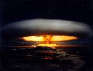 Cogumelo Atômico Nuvem De Cogumelo Fim Do Mundo Oceano ártico