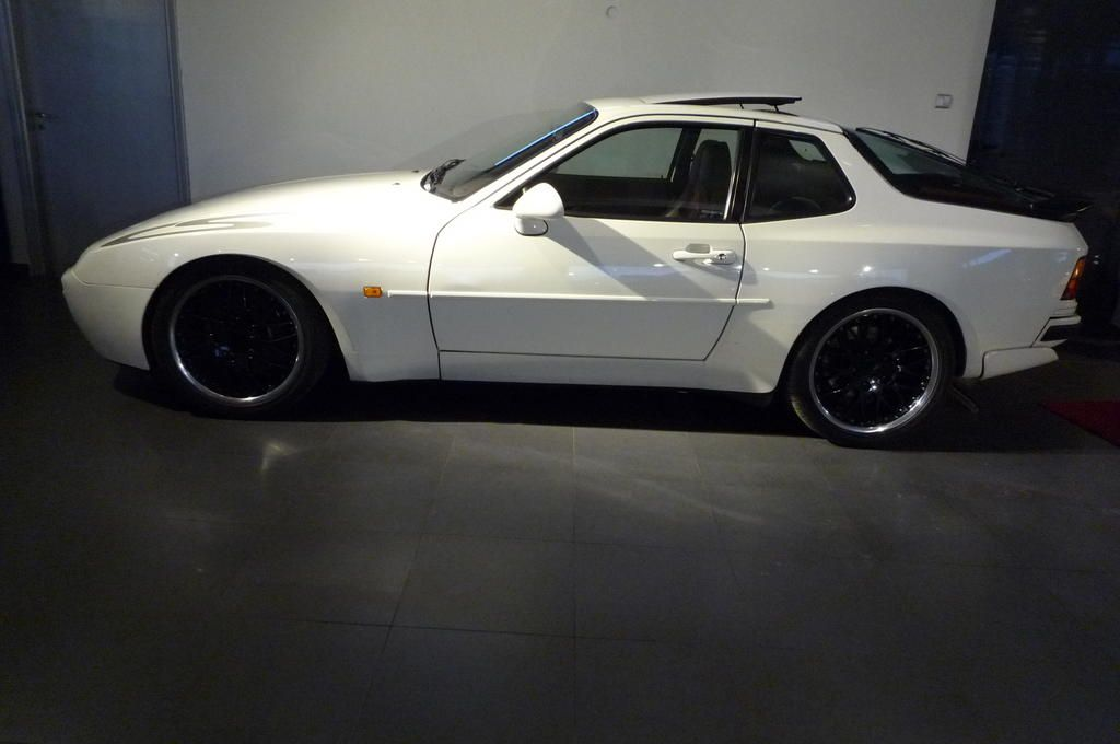 968 Door Handles on a 944 | Porsche 944 | Pinterest | Door handles ...
