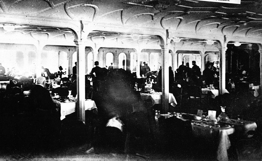 This is the only known photograph of Titanic\'s First Class Dining ...