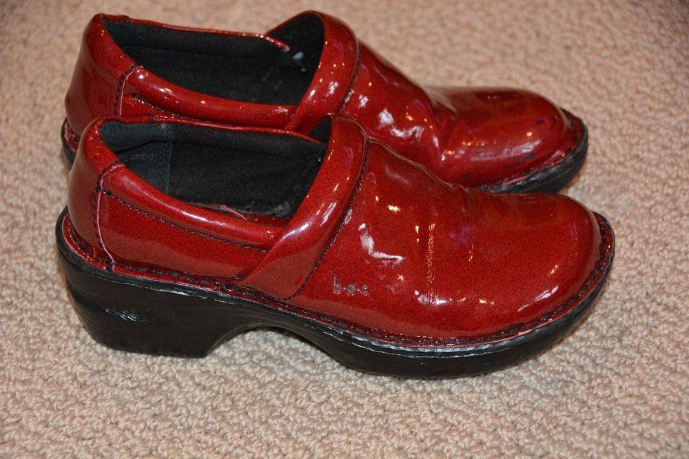 Born BOC red patent leather clog shoes