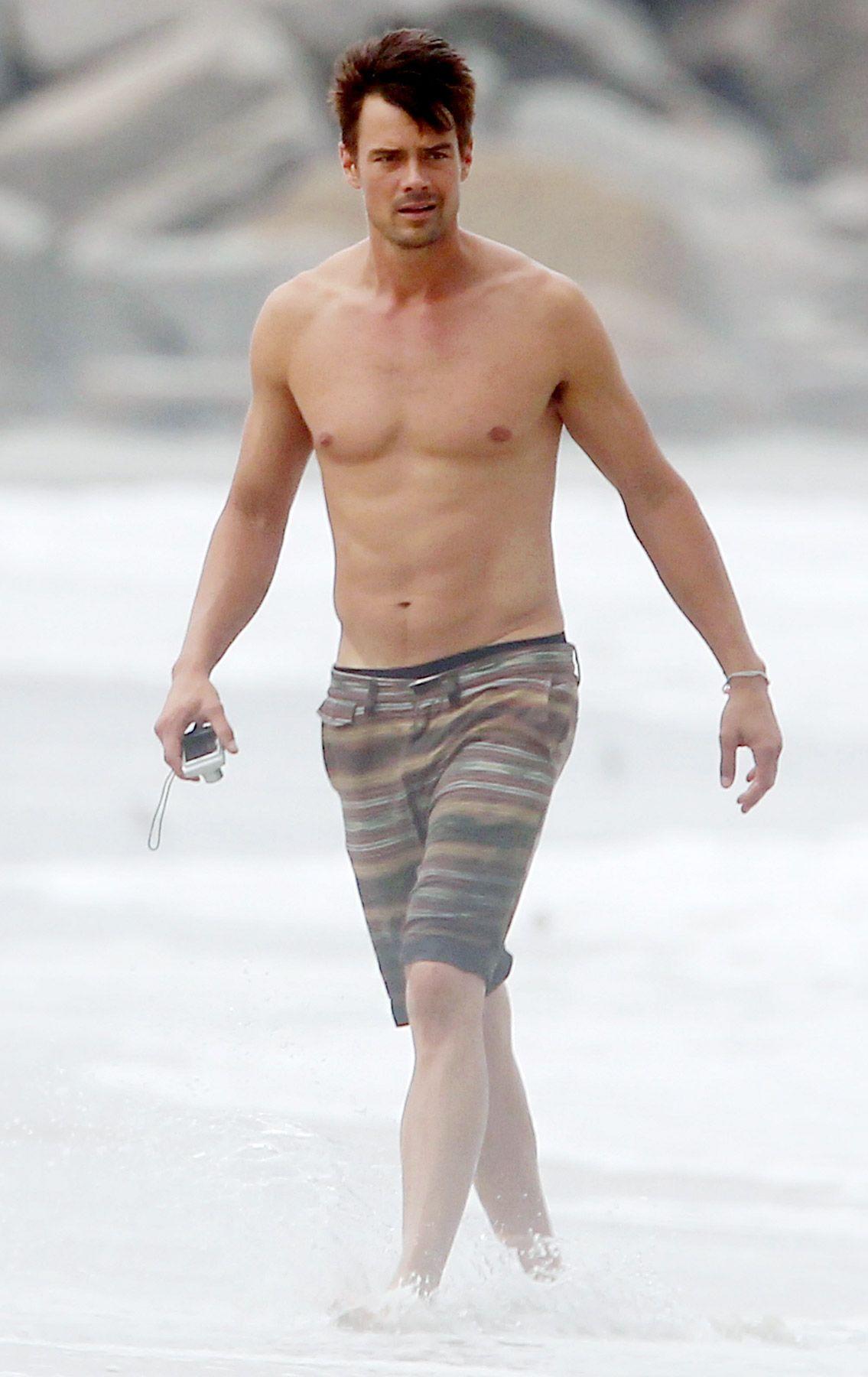 hot women naked in water