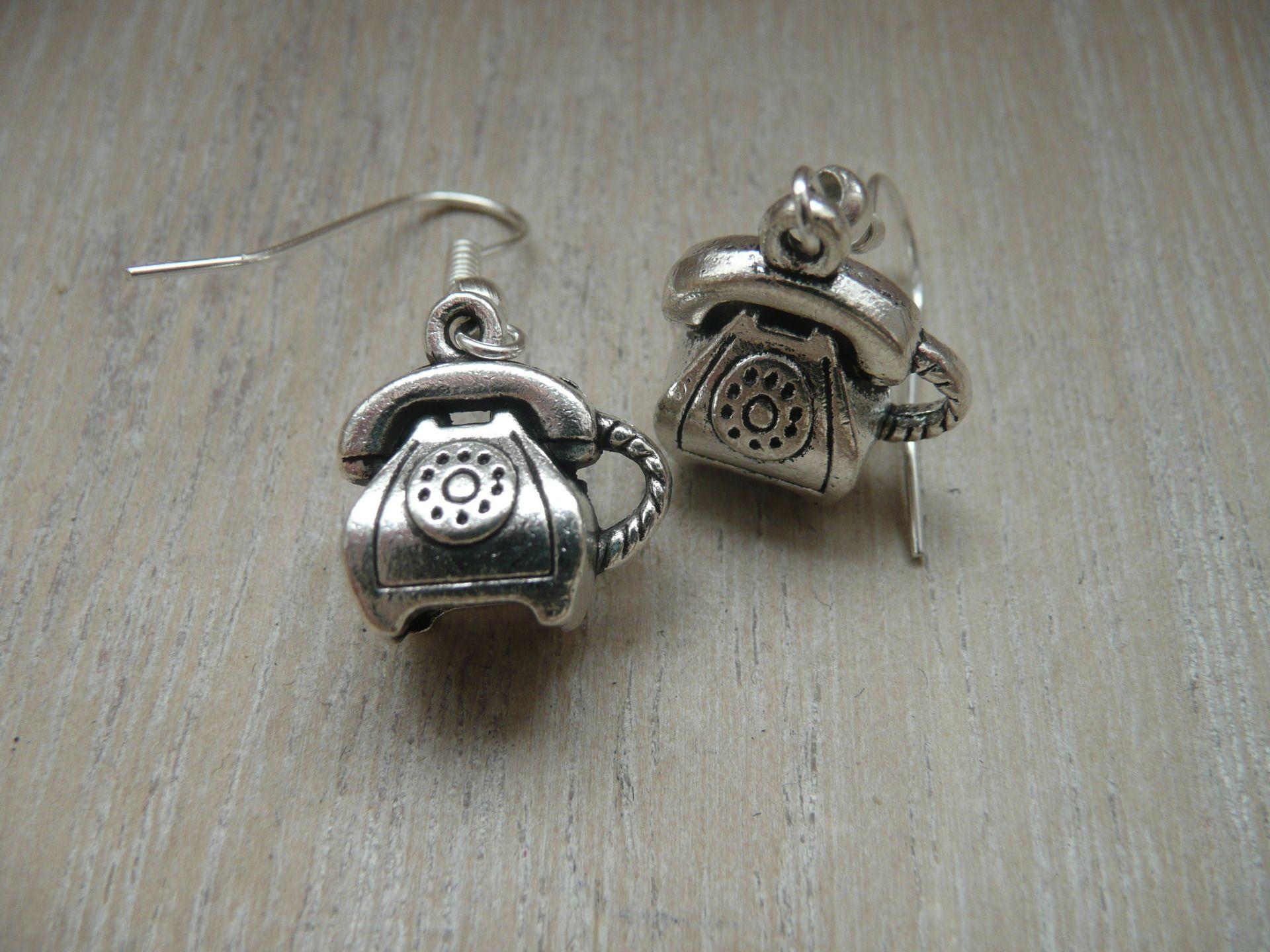 boucles d'oreilles argentées telephone vintage : Boucles d'oreille par mademoisellecle