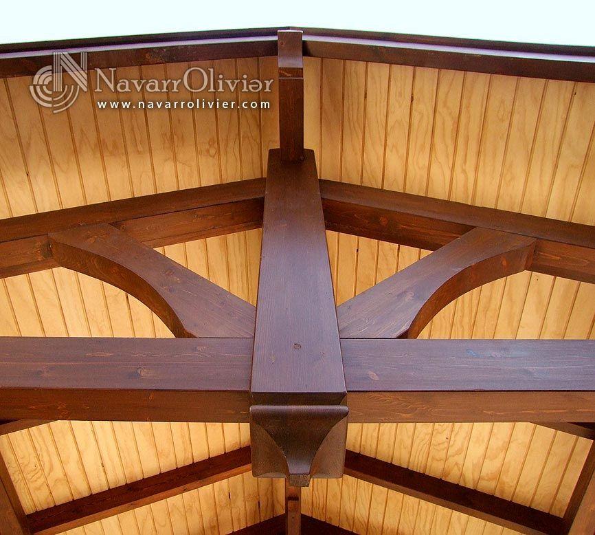 Detalle de cercha de madera cubierta a dos aguas by - Construccion de pergolas de madera ...