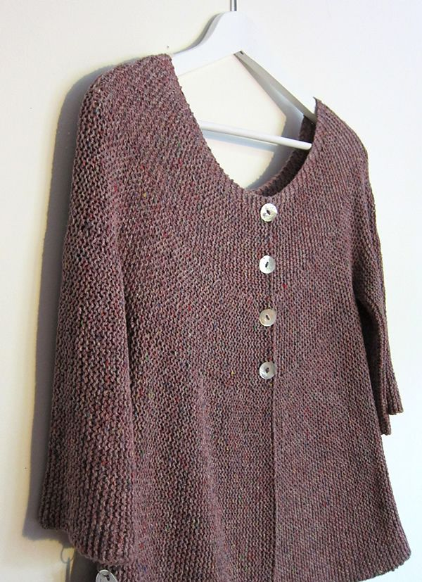 6ce18e7fb3862 Lovely garter-stitch cardigan with an interesting construction and a lovely  shape. Free ravelry pattern. Can be made for either summer or winter by  varying ...