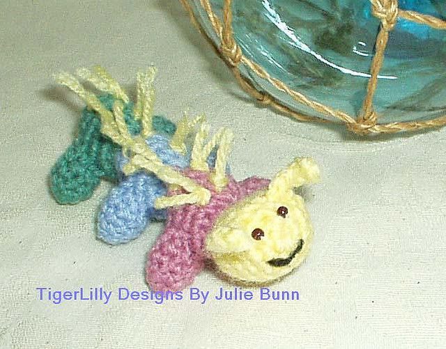 Amigurumi crochet pattern, caterpillar, available from tigerlilly on etsy.com     Do you know Amigurumi.