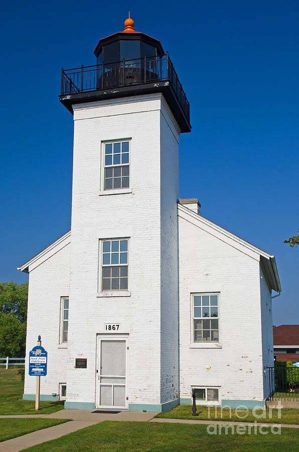 Sand Point Lighthouse Escanaba Michigan Lake Lighthouse Beautiful Lighthouse Lighthouse