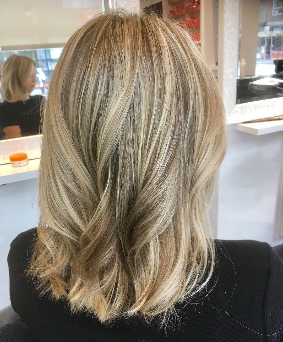 Une Jolie Tete Pour Julie Meches Au Papiers Patine Et Couper Brushing Blondehair Meches Blond Blonde Cheveuxlong Patine Cheveux Cheveux Patine Blond
