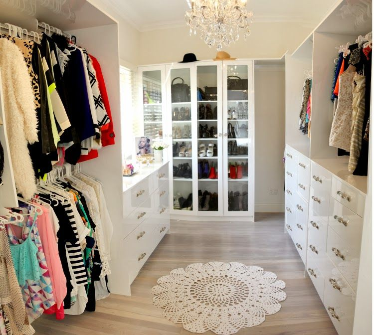 A Simple, Light Coloured Walk In Wardrobe With Lots Of Storage. Light  Coloured Gives It An Airy Feel.