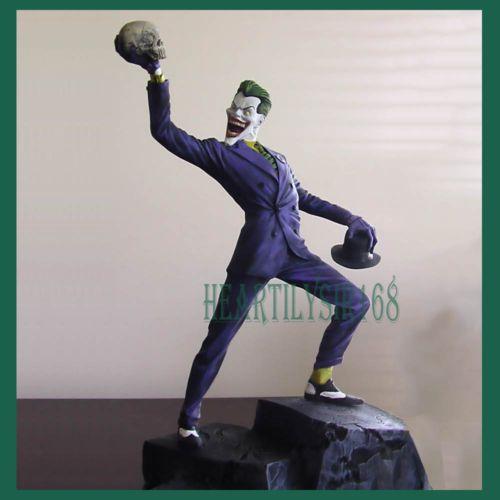 Unpainted-Resin-Model-Kit-Batman-Joker-holding-Skull-scale-1-6