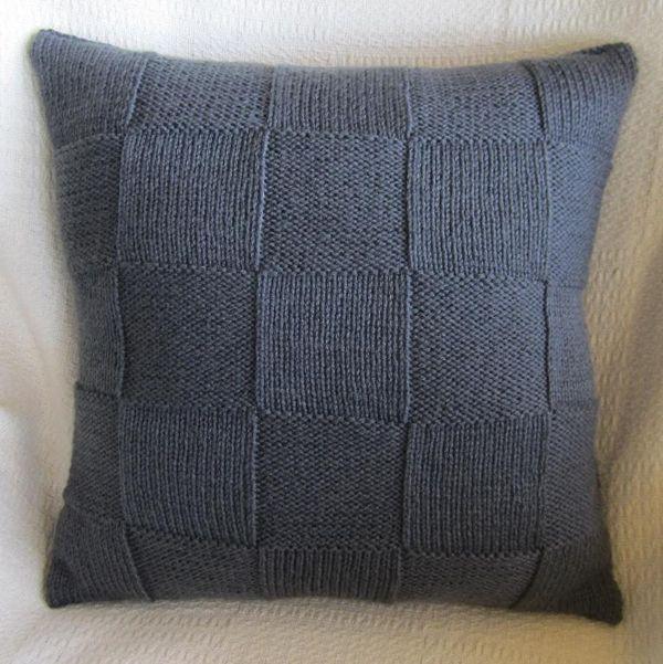 6 Knit Pillow Patterns Make Trendy Home DecorKnit pillow