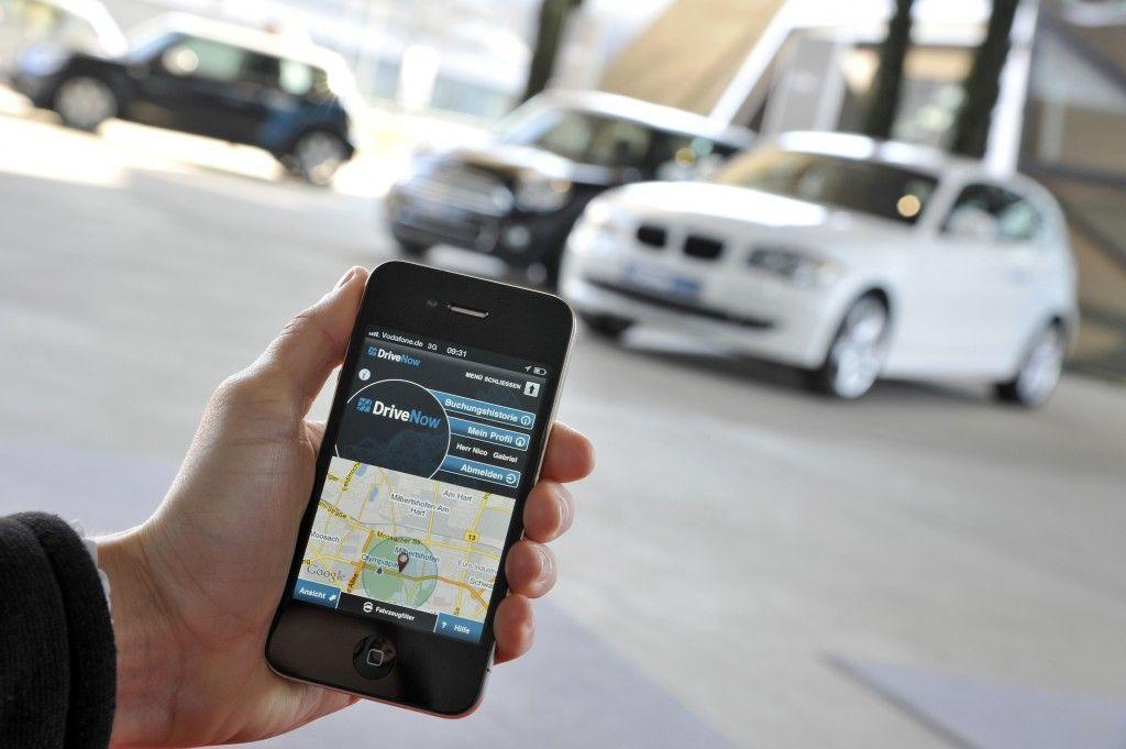 Car Sharing: a Berlino l'auto si trova con un app sul telefonino