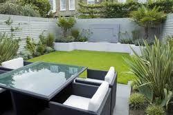 Giardini Moderni Immagini : Risultati immagini per piccoli giardini moderni arte giardino
