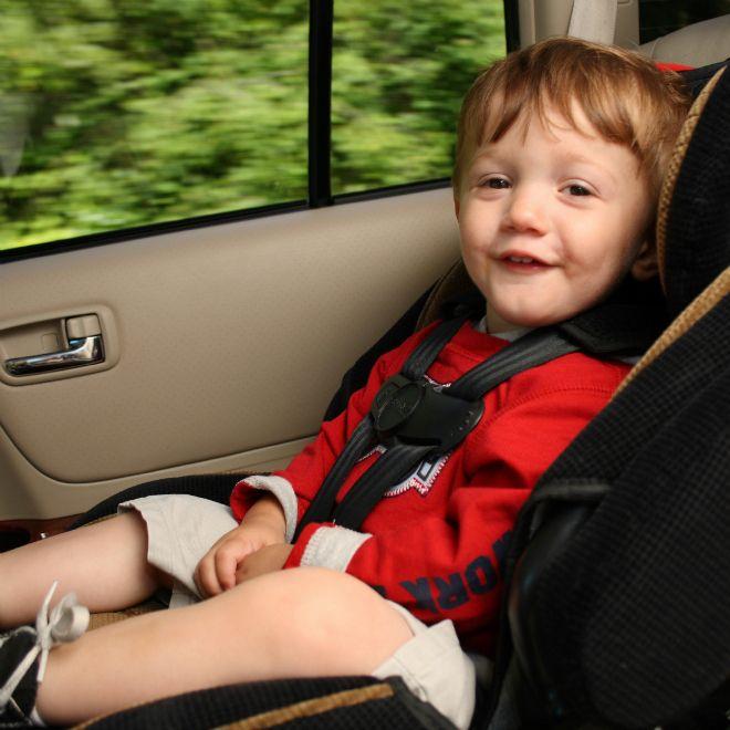 Toddler parents: Keep that car seat rear-facing | Car seats, Parents ...