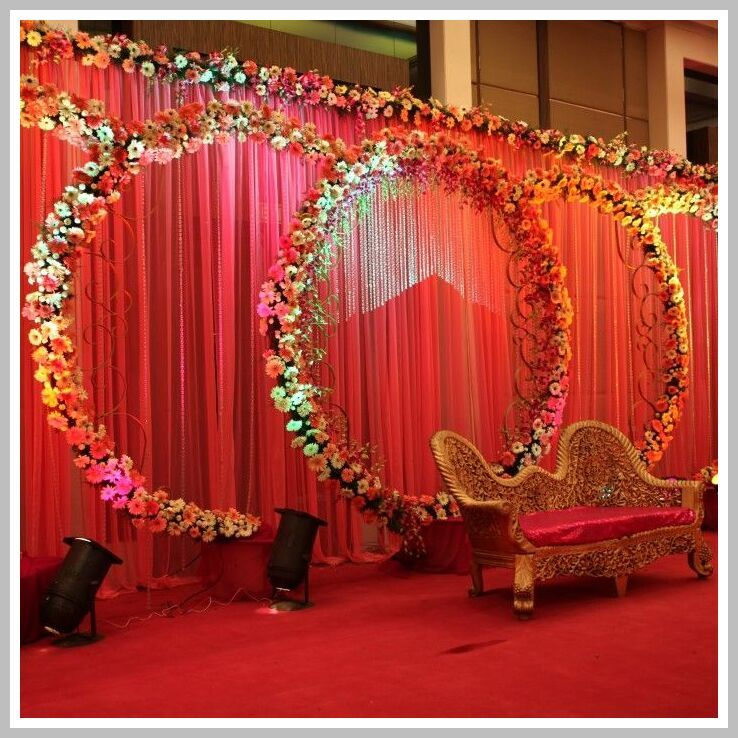 67 Reference Of Indian Wedding Decoration Ideas In Low Budget In 2020 Wedding Stage Decorations Wedding Flower Decorations Indian Wedding Flowers