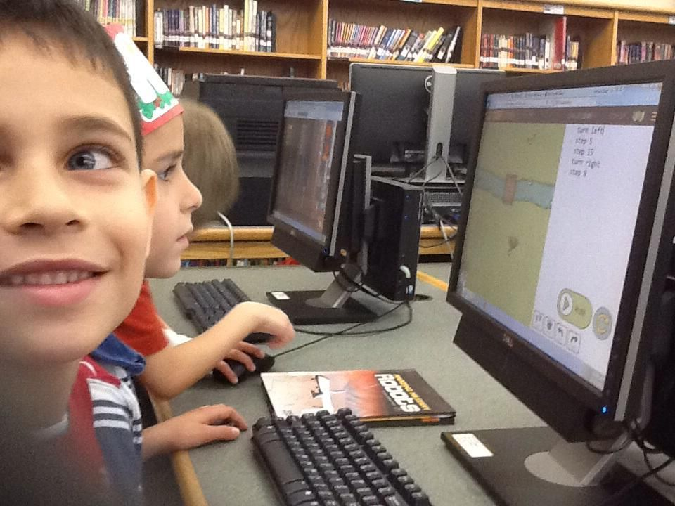 """""""1st graders loved coding today with code monkey, tynker, and http://t.co/mfCUa5C21V"""" 