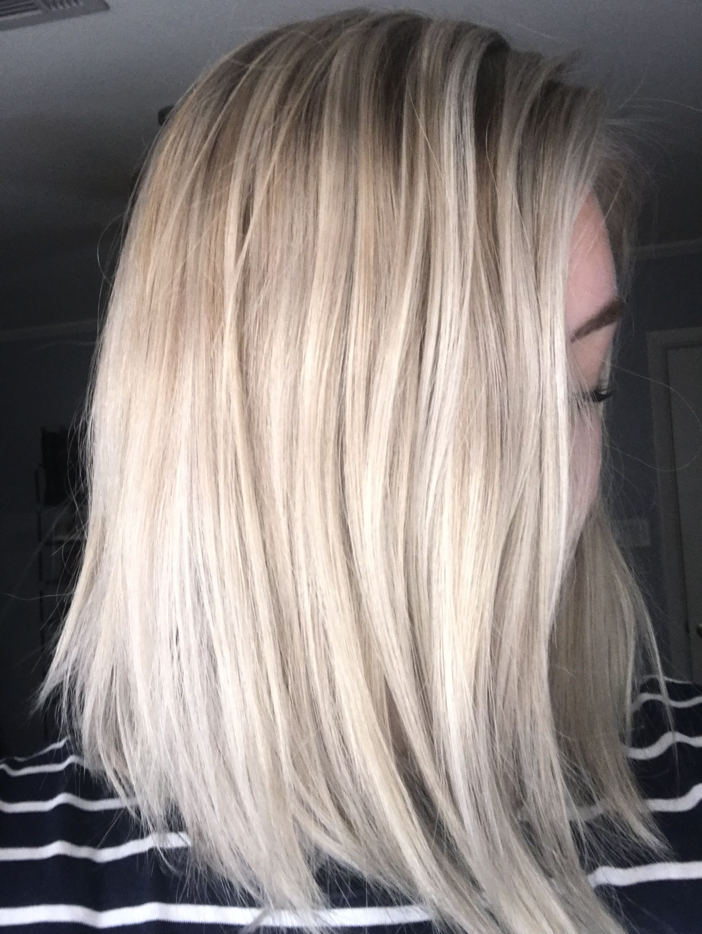Baby Lights Highlights Platinum Blonde With Shadow Root Shadow Roots Hair Roots Hair Blonde Roots