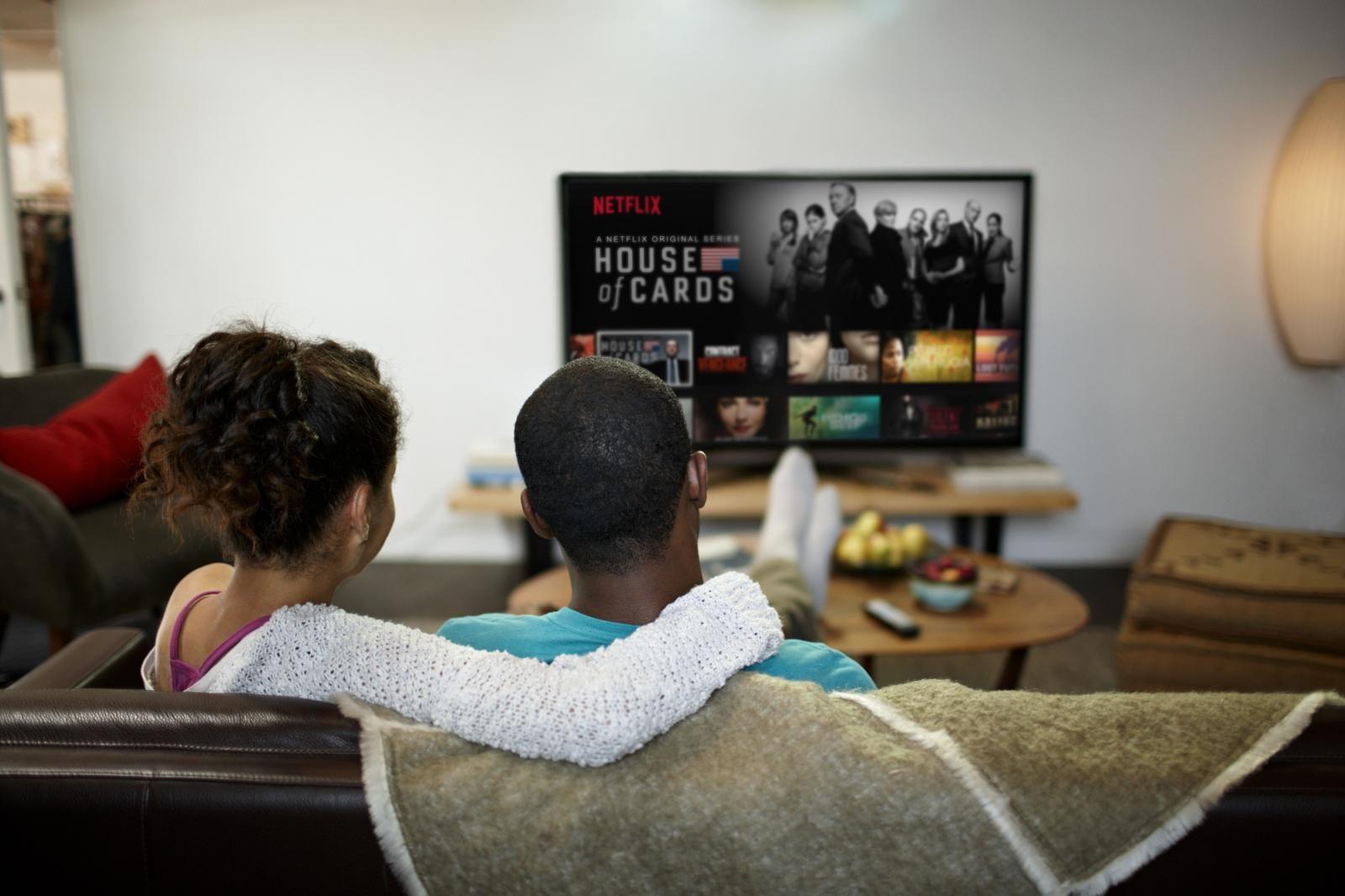 Google Pixel 3 with Google Home Hub Netflix, Netflix
