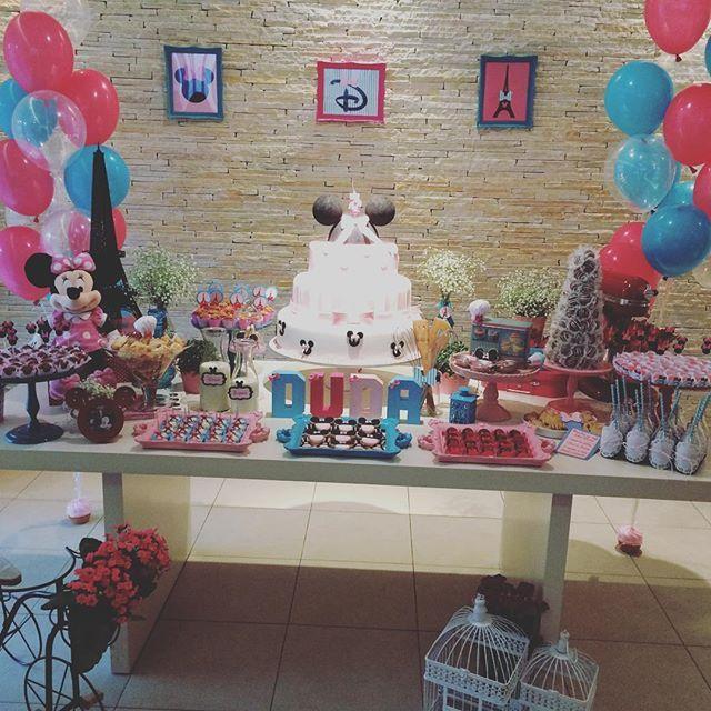 Festa liiiiiiiinda da Duda com a nossa papelaria!!! Forminhas, toppers, letras 3D, quadros de parede!!!! Obrigada @minguesalvesmoreira pela confiança!!!! #amiscraps #personalizados #letras3d #festaminnie #minnierosa #patisserie #patisseriedaminnie #minnieparisfesta #festaparis #festainfantil #festamenina #rosaetiffany