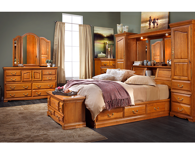 Lincoln Manor Bed - Furniture Row This is a photo of the ...