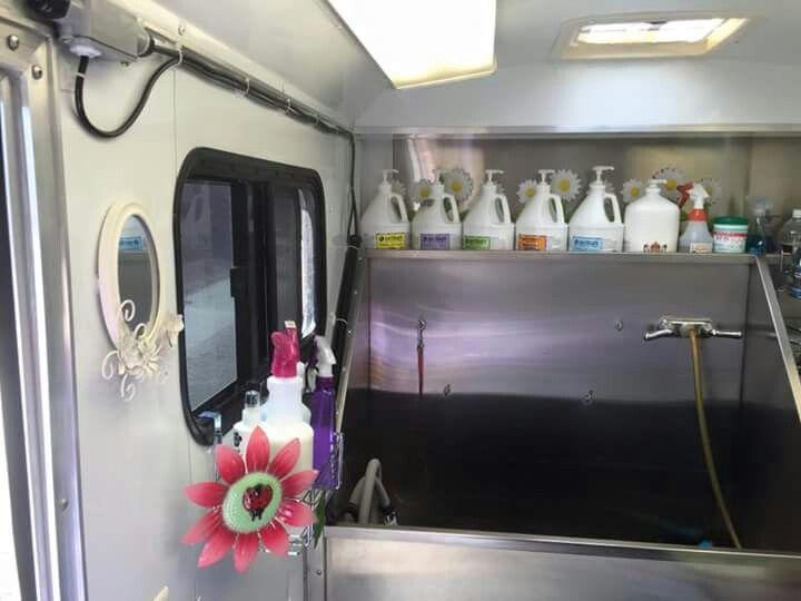 Adorable Setup For Small Mobile Grooming Trailer Mobile Pet Grooming Pet Grooming Salon Dog Grooming Salons