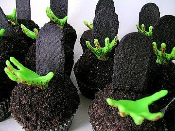 easy to make halloween cakes and cupcakes
