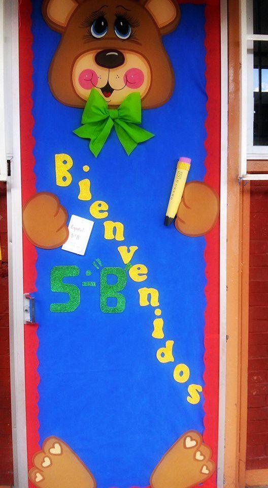 Puerta de bienvenidos oso en foamy puertas school for Puertas decoradas para regreso a clases