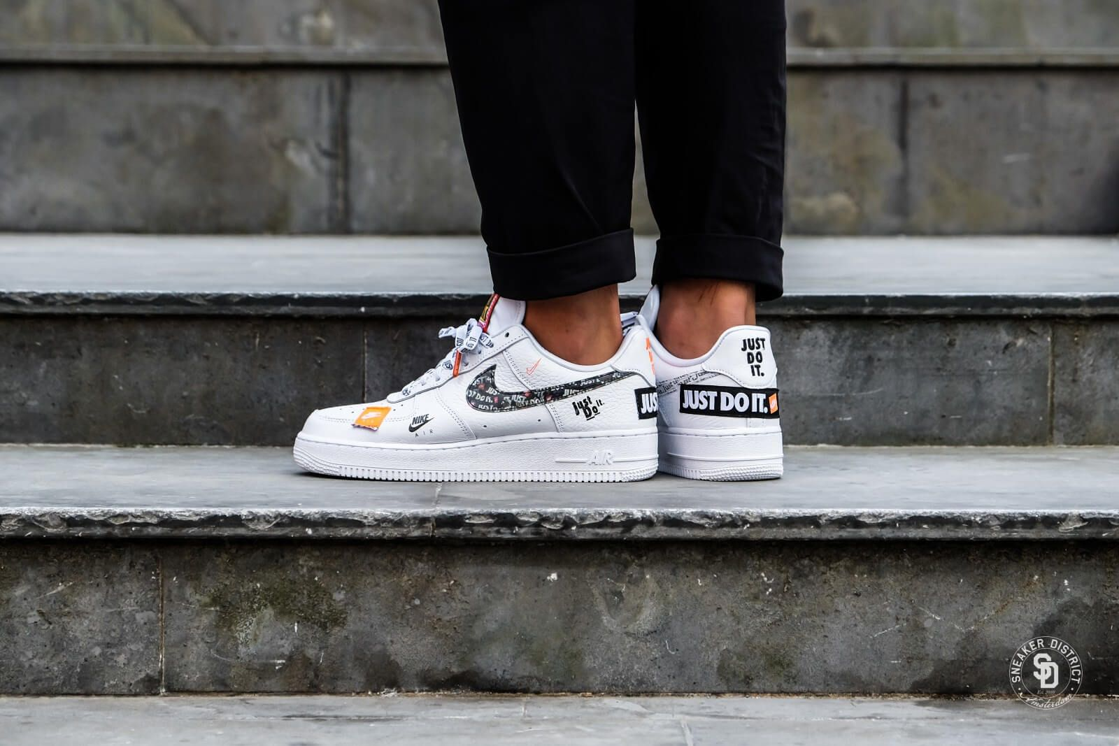 Nike Air Force 1 07 Just Do It White Black Total Orange Nel 2020
