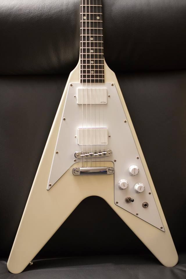 Gibson Flying V with EMG 81/60 | Deus ex Machina | Guitar, Custom