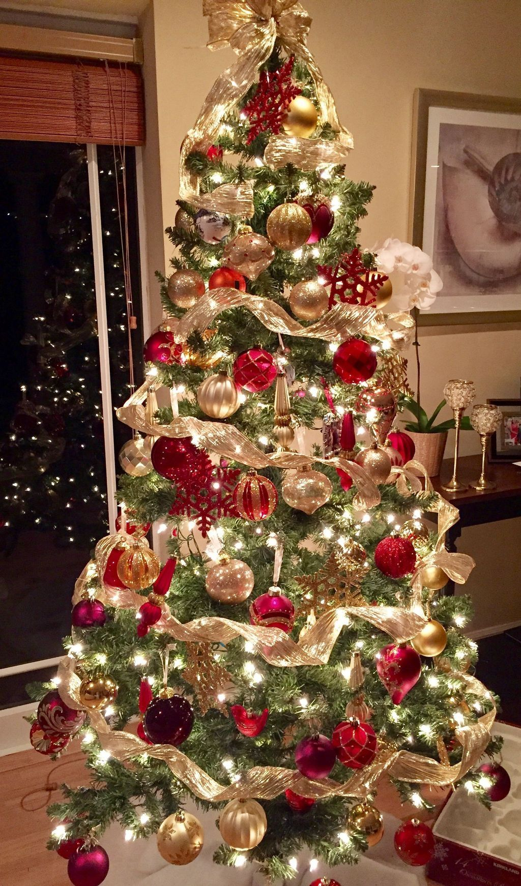20+ Perfect Gold Christmas Tree Decoration Ideas #christmastree