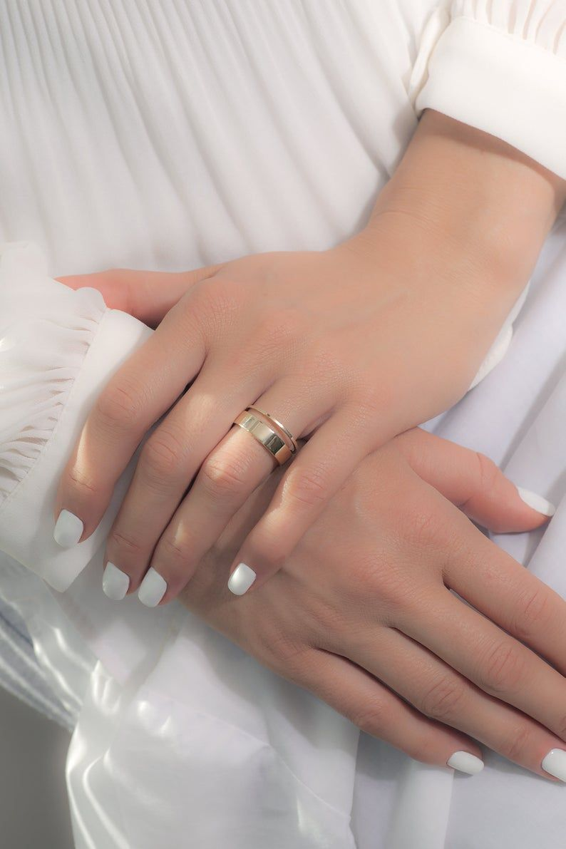 Gold Simple Wedding Band Set In 2020 Gold Wedding Bands Women Gold Band Wedding Ring Simple Wedding Band Sets