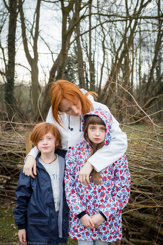 Ganaëlle from Mon Bo Petit Monde and her children wearing Petit Bateau iconic pieces - http://www.petit-bateau.fr/?CMP=SOC_11732SOU=TYP=SOCKW=pinterest #petitbateau #fashion for #women #kids #boys and #girls #raincoat