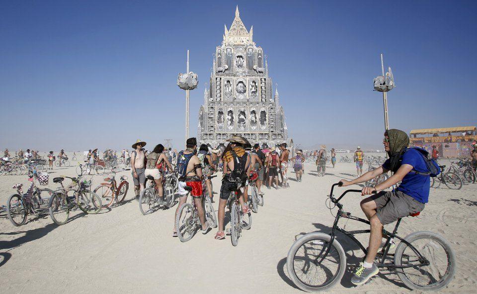 Гори синим пламенем. В Неваде завершился Burning Man 2015 / Slon.ru
